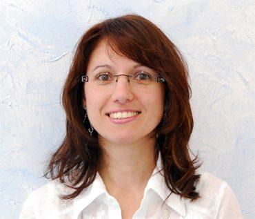 Anna Levis, Levis Dental AG